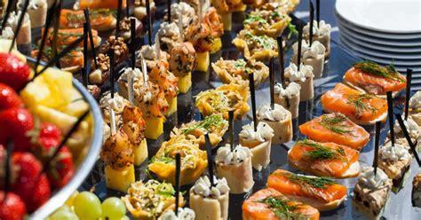 grand canape pas cher préparer un buffet idées recettes et conseils pour