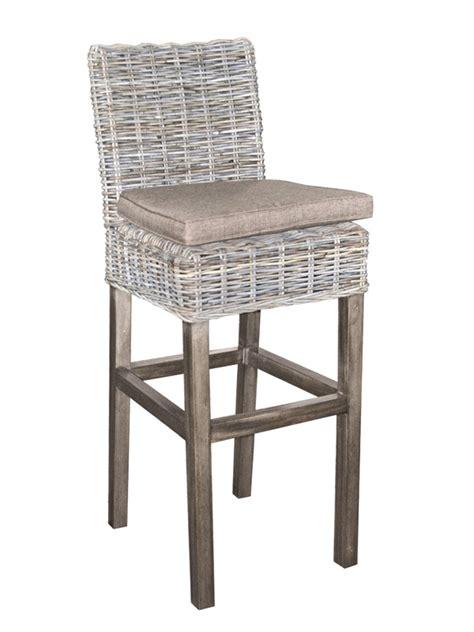 chaise de bar en rotin exemple tabouret de bar rotin