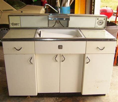 antique metal kitchen cabinet 17 best images about youngstown kitchen on x 4114
