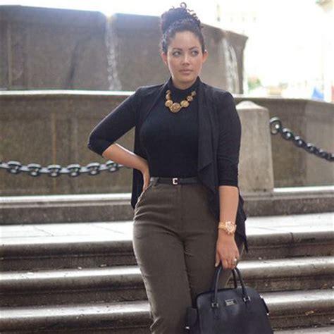 femme ronde nos tenues grande taille pour le travail