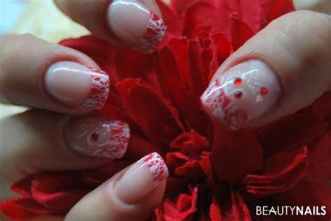 rote nägel mit steinchen rote frenchn 228 gel mit sting steinchen und acrylfarbe nageldesign