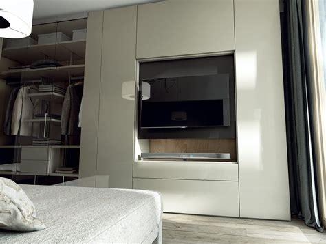 guardaroba tv roomy armadio con tv integrata by caccaro design sandi