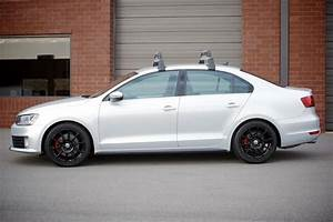 2014 Volkswagen Jetta Base Carrier Bars - Black  Silver  Roof  Rack  Package