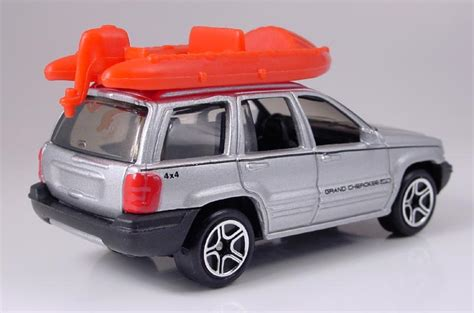 matchbox jeep grand cherokee mb442 jeep grand cherokee with raft