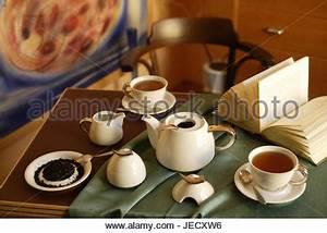 Weisses Porzellan Geschirr : tisch bedeckt elegant porzellan geschirr china ~ Buech-reservation.com Haus und Dekorationen