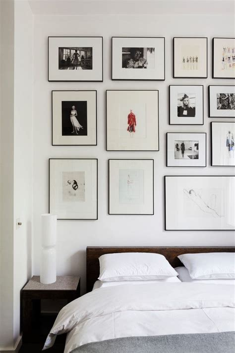 Bedroom Decorating Ideas Picture Frames by Best 10 Black Picture Frames Ideas On Large