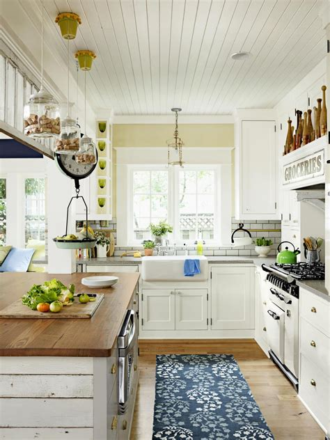 Kitchen Decorating Ideas Photos by Antique Kitchen Decorating Pictures Ideas From Hgtv Hgtv