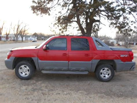 how make cars 2002 chevrolet avalanche 1500 parking system buy used 2002 chevrolet avalanche 1500 z71 crew cab pickup 4 door 5 3l in ellinwood kansas