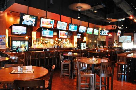 The 5 Best Sports Bars In Charlotte