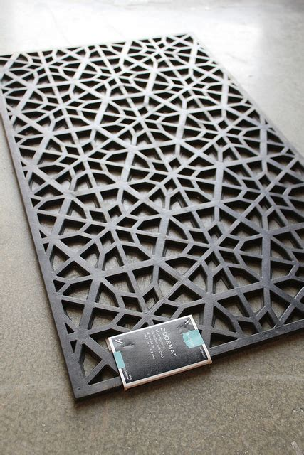 Rubber Doormat Headboard by A Cool Headboard Using Door Mats Diy Diy Scoop