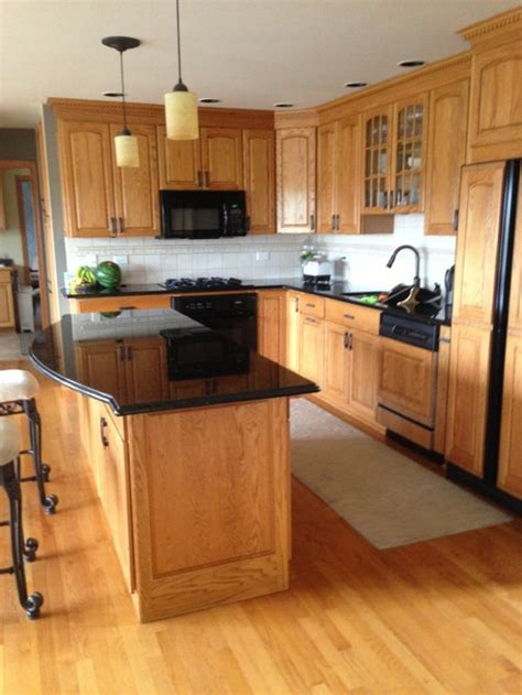 paint colors for kitchens with golden oak cabinets should i paint my golden oak cabinets