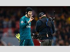Arsenal's Petr Cech becomes first goalkeeper to reach 200