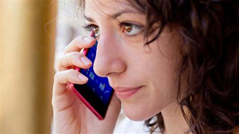 how to make free phone calls even when you re abroad