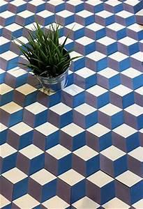 Carreaux Du Marais : carreau ciment hexagone 15x15 bleu parme et beige carrelage du marais walls floors ~ Melissatoandfro.com Idées de Décoration