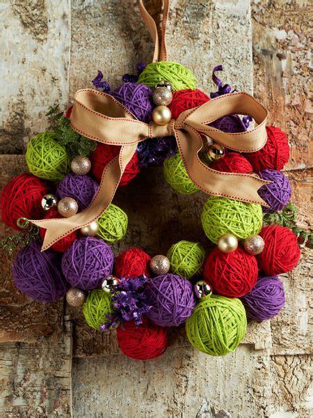 diy christmas decorations lets   yarn ball wreath