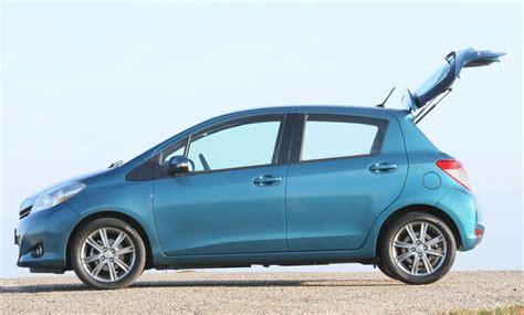 Yaris Seat Ibiza Und Mazda 2 Im Kleinwagen Vergleich by Toyota Yaris Seat Ibiza Und Mazda 2 Im Kleinwagen