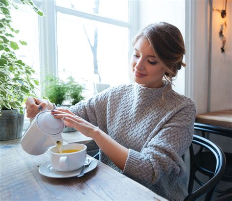 Also, there is a lot of caffeine in coffee which in itself is a stimulant and can contribute problems like acid reflux, irritable bowel syndrome, and. 7 Reasons to Switch from Coffee to Tea