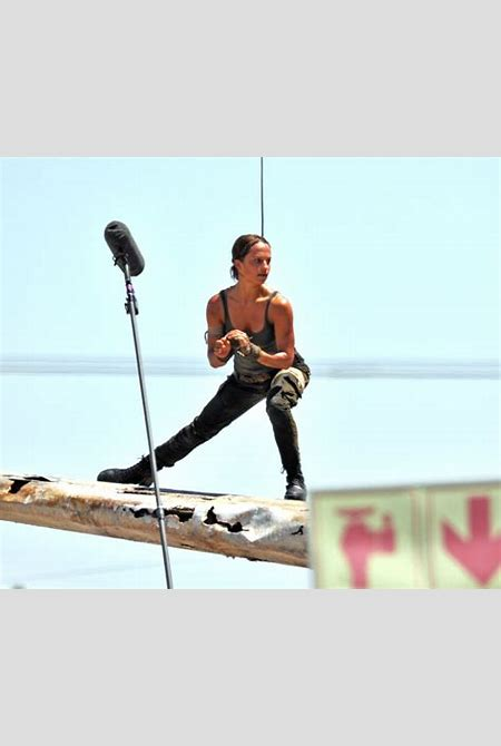 First set photos of Alicia Vikander's Lara Croft arrive