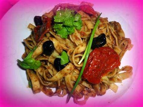 p 226 tes 224 la cr 232 me basilic ail olives noires tomates et cr 232 me d anchois recette sur cuisine