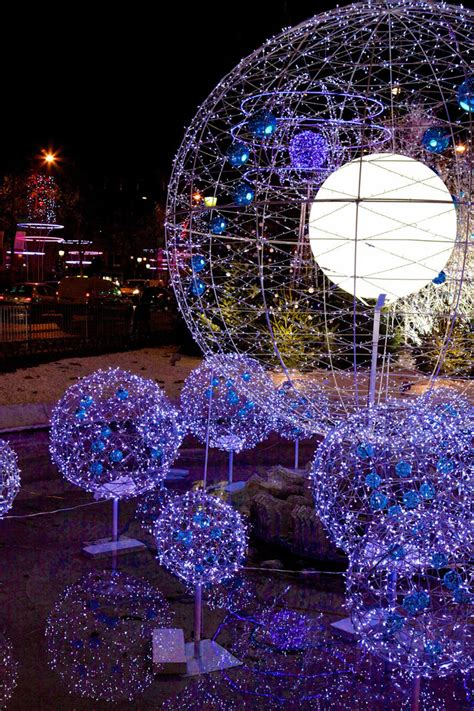 diane kruger launches the 2012 christmas illuminations of