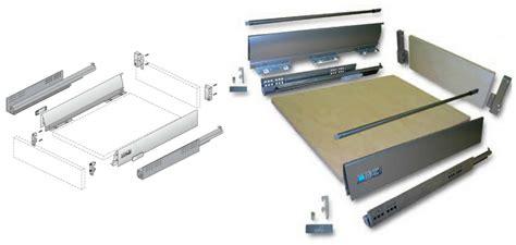 cassetti scorrevoli cassetti della cucina cosa mettere e come organizzarli al