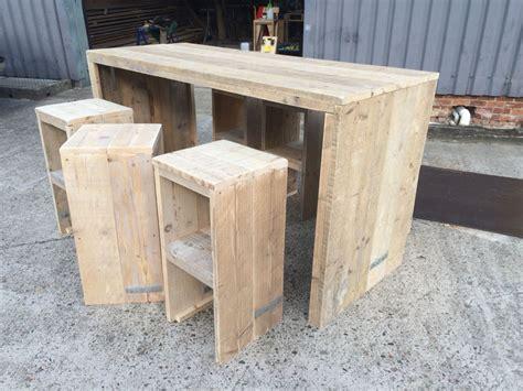 tuin kruk hout steigerhouten bartafel met krukken stilwood pinterest