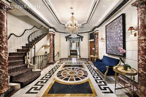rent  opulent upper east side mansion  home
