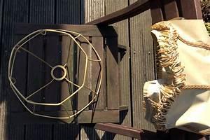 Lampenschirme Für Stehlampen Selber Machen : alter lampenschirm wird neue stehlampe upcycling diy ~ Frokenaadalensverden.com Haus und Dekorationen