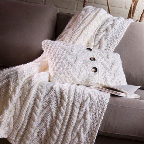acheter coussin canapé les 100 plus beaux coussins de la saison automne hiver