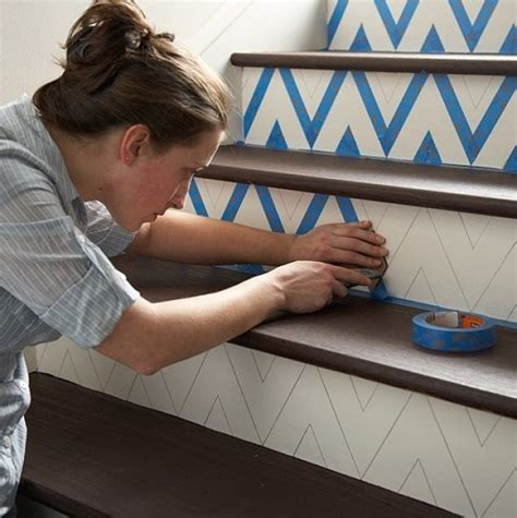 creative diy tips  decorating  stairs