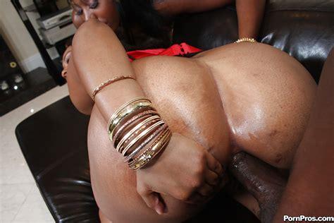 Ebony Milf Babes Royalty And Nikki Having Rough Anal Sex
