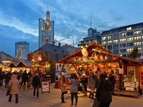 Zeil Weihnachtsmarkt 2017 by Christmas Market Frankfurt Tourism