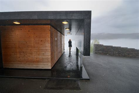 The 10 Best Public Toilet Designs Of 2017