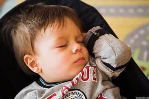 Baby Mit 1 Jahr : peter das letzte mal in der baby wippe schlafend lars m ller digitalfotografielars m ller ~ Markanthonyermac.com Haus und Dekorationen