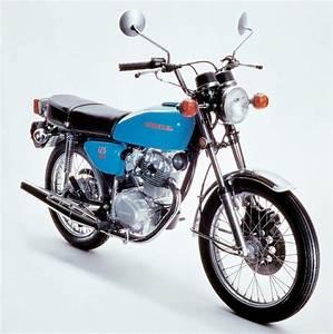 Honda 125 Twin : honda cb 125 specs 1979 1980 autoevolution ~ Melissatoandfro.com Idées de Décoration