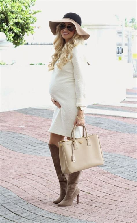 trendy maternity outfits   love pretty designs