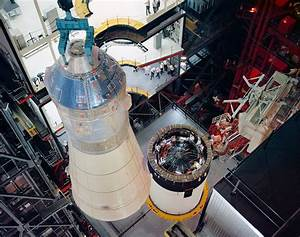 File:Mating of Apollo 8 spacecraft with Saturn-V.jpg ...
