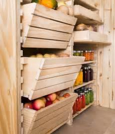 fabriquer un ilot de cuisine en bois ranger les conserves ranger légumes rangement conserves