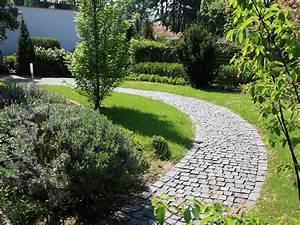 Gartengestaltung Mit Naturstein Mauern Wasserläufe Und Terrassen : gartengestaltung in wiesbaden f landau gr npflege gmbh ~ Orissabook.com Haus und Dekorationen