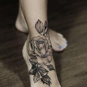 tatuaggio caviglia fiori tatuaggio sulla caviglia dolore indicazioni e idee