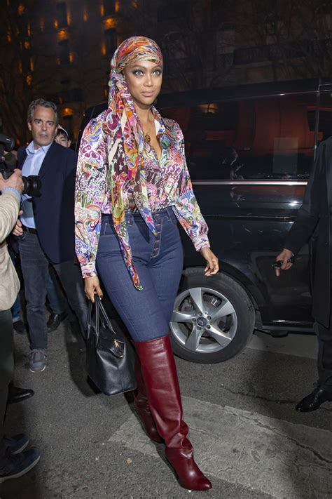 tyra banks arriving   tommy hilfiger fashion show