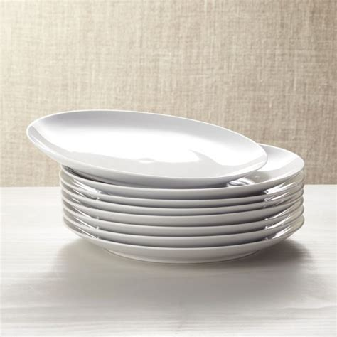 Set of 8 Essential Dinner Plates   Reviews   Crate and Barrel