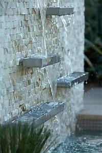 la deco exterieure avec une fontaine murale fontaine With amenagement de jardin avec des pierres 17 la deco exterieure avec une fontaine murale archzine fr
