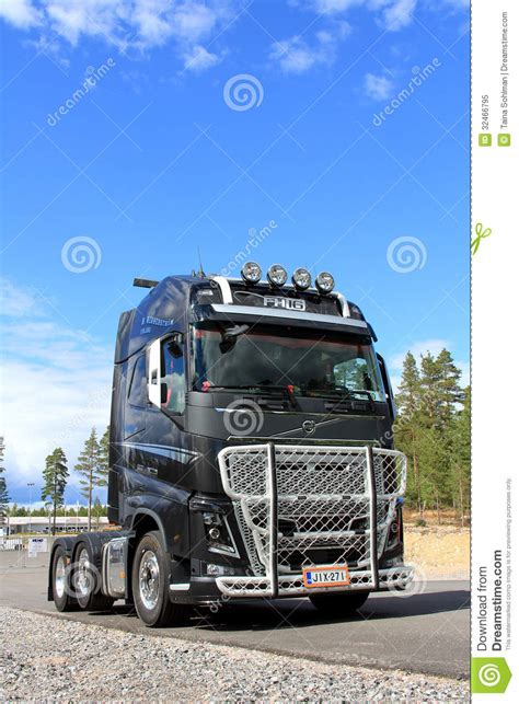 Volvo Fh16 600 Truck, Vertical View Editorial Image