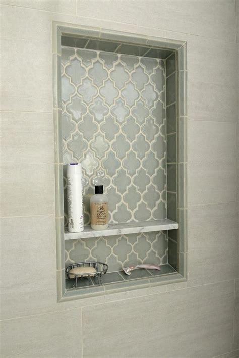 Badezimmer Fliesen Regal by Pretty Shower Niche Using Smoke Glass Arabesque Tile