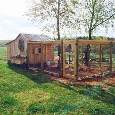 Diy Backyard Chicken Coop by Most Creative Diy Chicken Ideas Kristin S Pins