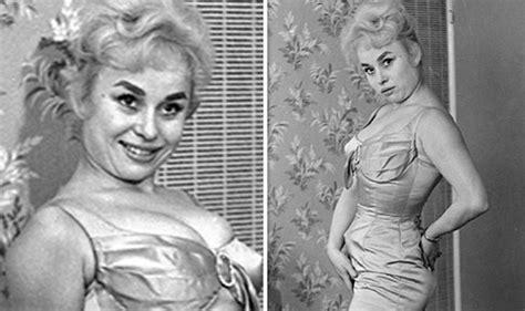 Barbara Windsor: EastEnders legend flaunts pins and bust ...