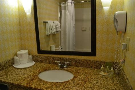 Bathroom-picture Of Holiday Inn Dumfries-quantico