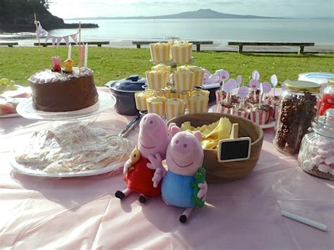 plan  peppa pig party  peanuts  mouse boutique