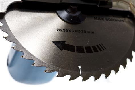 table saw blade direction how wide cuts you can make with 10 inch miter saw